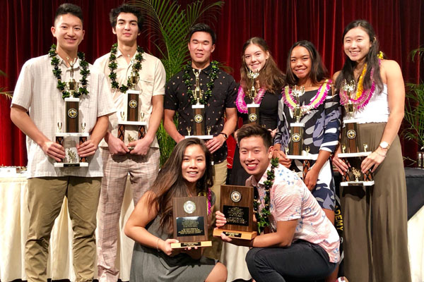 Students Feted at Annual Varsity Banquet