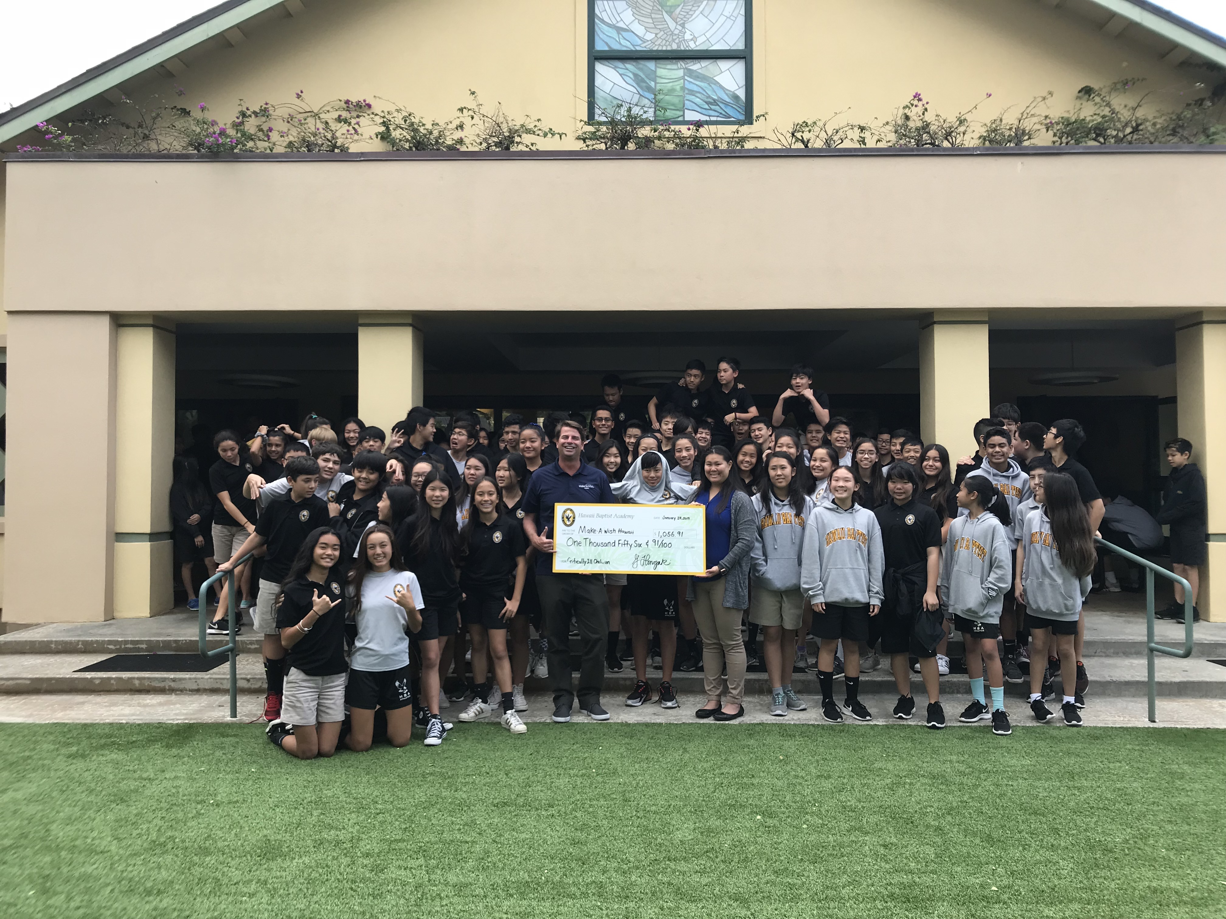 Middle School Donates $1,000 to Make-A-Wish